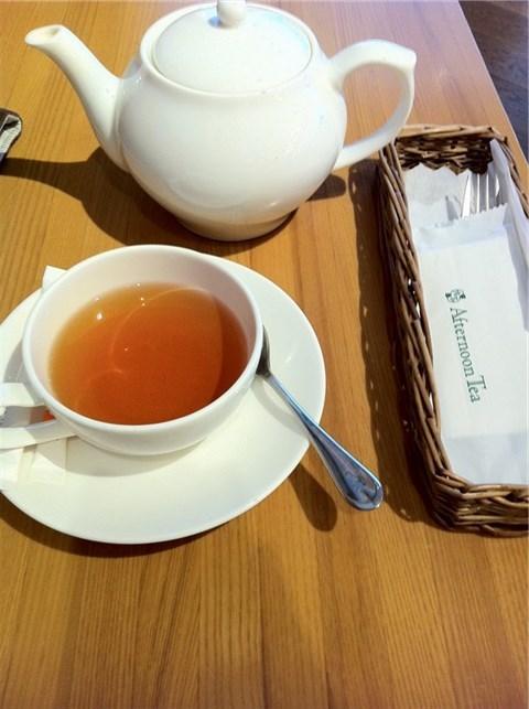 英式红茶-120元 香蕉巧克力蛋糕150元图片