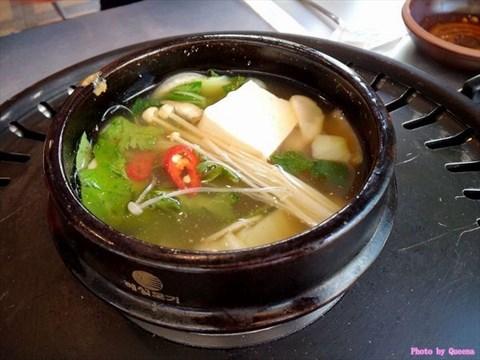 【高雄】怀旧玉竹商圈竟然有正港韩国欧爸的铁盘烤肉-红屋瓦韩式料理图片