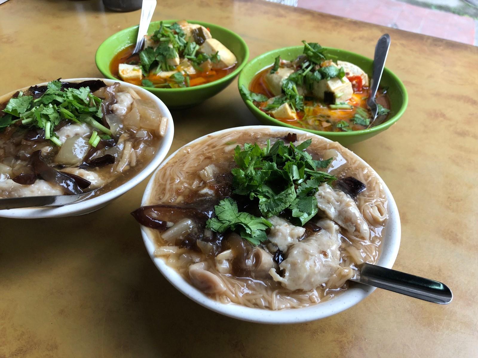 肉羹臭豆腐料多澎湃CP 值破表台北铜板排队美食同安街面线羹