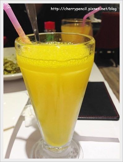普普通通柳橙汁一杯~