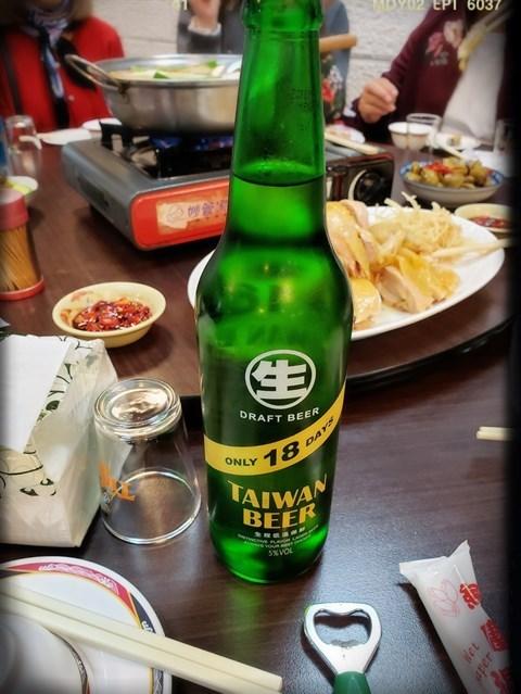 台灣啤酒(NT 100/樽)